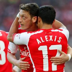 Kolasinac pod wrażeniem współpracy Alexisa i Özila