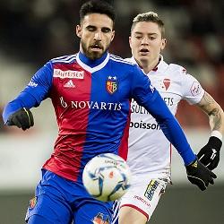 Arsenal powalczy o obrońcę FC Basel?