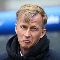 Jonker ostrzega młodych graczy przed Arsenalem