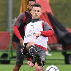 Galeria: Özil, Kolasinac i Koscielny trenują z zespołem