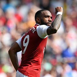 Arsenal wygrywa grupę E, pokonując Qarabag 1-0
