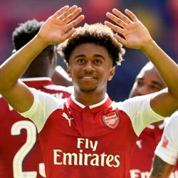 Wenger: Transfer Oxa szansą dla Nelsona i Willocka
