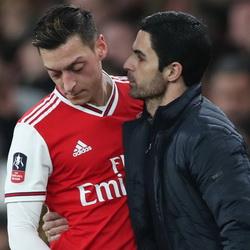 Agent Özila ostro o Artecie i Arsenalu