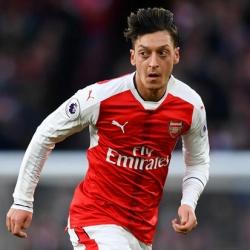 Media: Özil wrócił do treningów