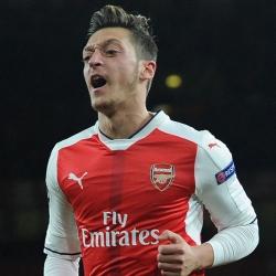 Media: Arsenal gotowy sprzedać Özila w styczniu