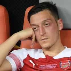 Media: Özil i Sokratis poza składem na LE