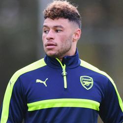 Arsenal odrzucił ofertę Liverpoolu za Chamberlaina?