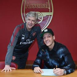 Oficjalnie: Özil podpisał nowy kontrakt z Arsenalem!