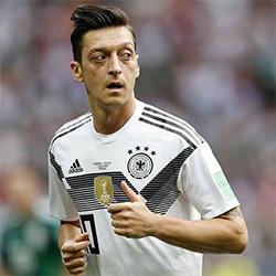 Kroos: Tłumaczenia Özila są bezsensowne