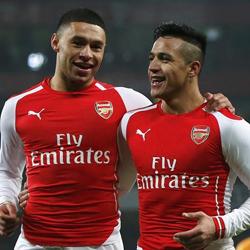 Wenger o przyszłości Alexisa i Chamberlaina
