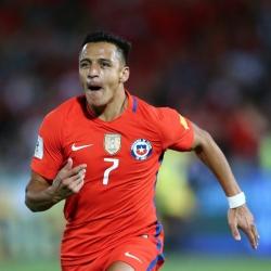 Alexis najlepszym strzelcem Chile w historii
