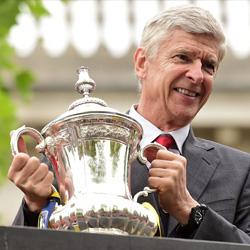 Dixon: Wenger powinien odejść po wygraniu FA Cup