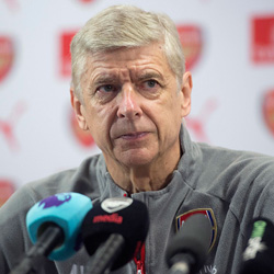 Wenger o Jacku, Alexisie i grze czwórką obrońców