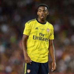 Arsenal zwycięża z Southamptonem 2-0 na St Mary's Stadium