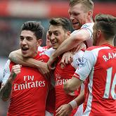 Arsenal pokonuje Liverpool 4-1 i wyrzuca go z walki o LM