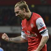 Lord Bendtner ratuje Arsenal, 2-0 z Cardiff!