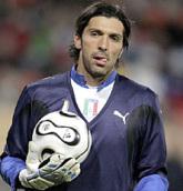 Agent: Buffon zostanie w Turynie