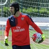 Galeria: Cech debiutuje na Emirates
