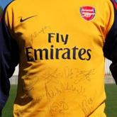 Arsenal zaprezentował 2. i 3. komplet strojów