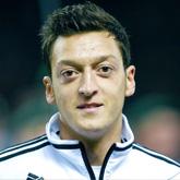 Özil na temat nowego kontraktu