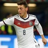 Löw da odpocząć Özilowi