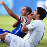 Suarez srogo ukarany przez FIFA