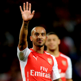 Lekcja futbolu, Arsenal pokonuje Basel po 2 golach Walcotta