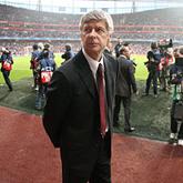 Futbol z ego w kieszeni - Wenger po 20 latach w Arsenalu