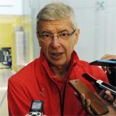 Wenger o młodych graczach Arsenalu